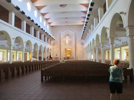 Basilica of the National Shrine of Mary, Queen of the Universe: Inside Church