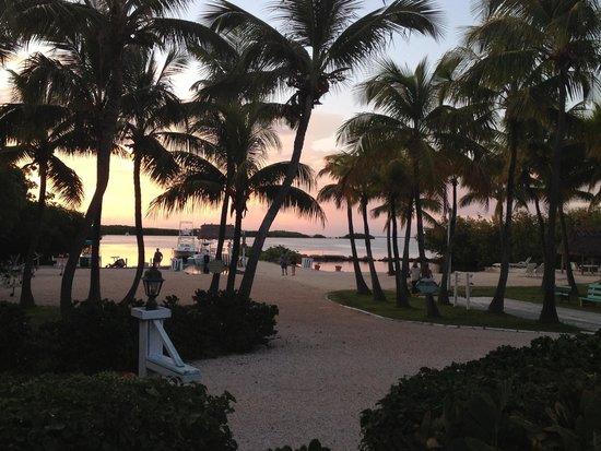 Kon-Tiki Resort: Gorgeous senset view from our porch