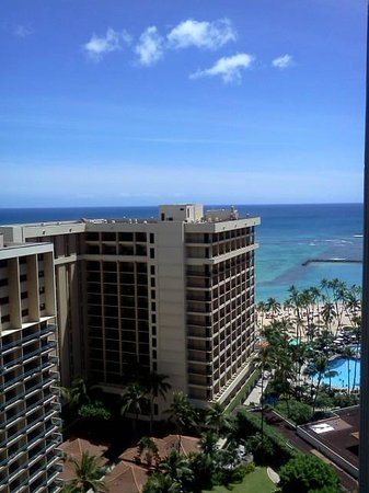 Hilton Hawaiian Village Waikiki Beach Resort: View from 16th floor, Tapa Tower