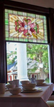 Sparrow Hill Inn: Stained Glass Windows