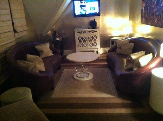 Sanctum Soho Hotel: lounge in suite