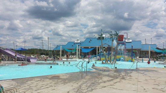 Richmond, KY: Paradise cove pool