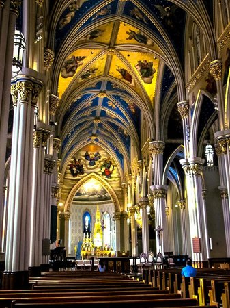 Basilica of the Sacred Heart: Interior of the church