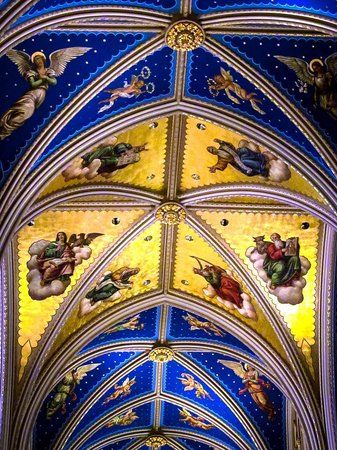 Basilica of the Sacred Heart: Ceiling of the church