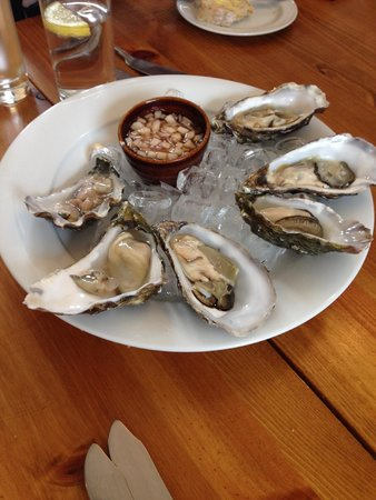 Cafe Fish: oyster