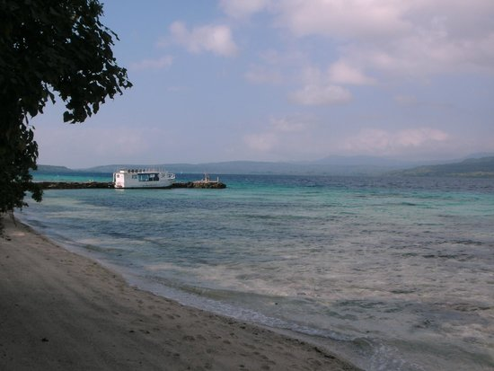 """Tranquillity Island Resort & Dive Base : Pier and """"The Island Diver"""""""