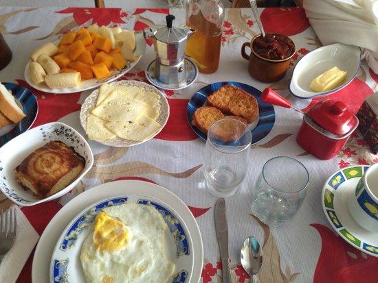 Casa Particular Miriam Guerra: Breakfast - amazing.