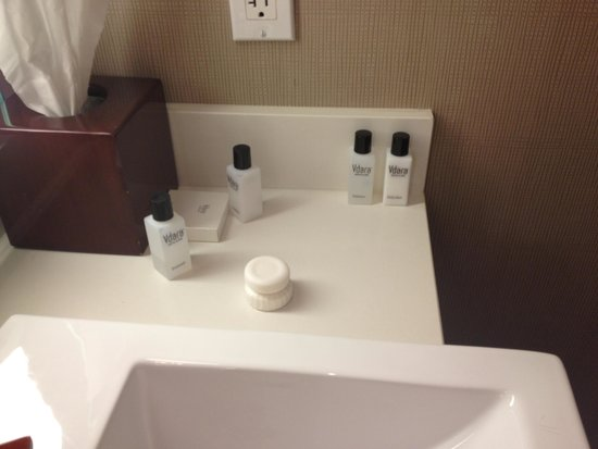 Vdara Hotel & Spa: Soaps out of place