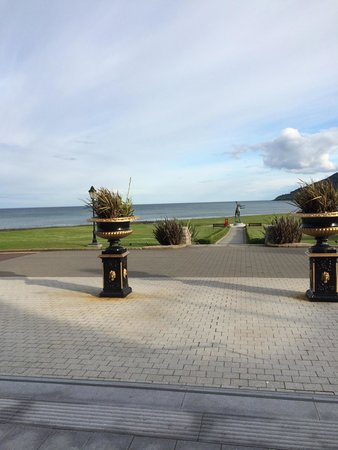 Slieve Donard Resort and Spa: View from hotel entrance