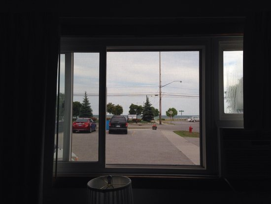 40 Winks Motel: View of Lake Huron from our room.