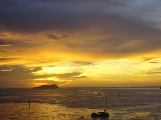 Hyatt Regency Kinabalu: tramonto 1