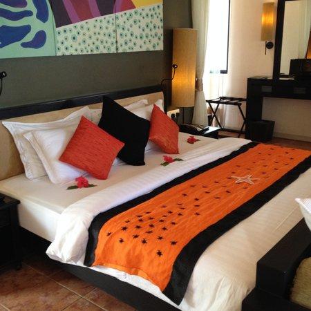 Angsana Velavaru : ベッド