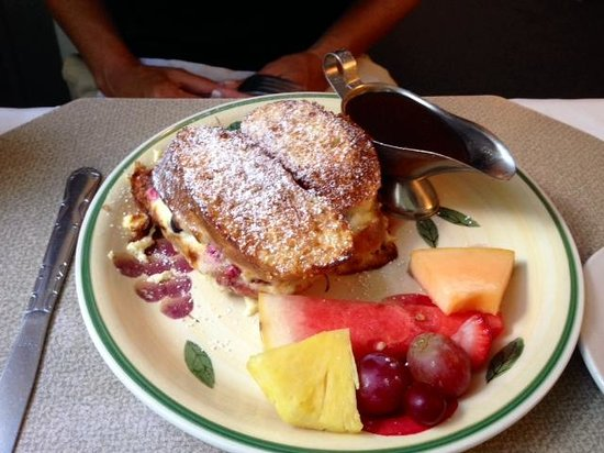 Sign of The Mermaid: Stuffed French Toast