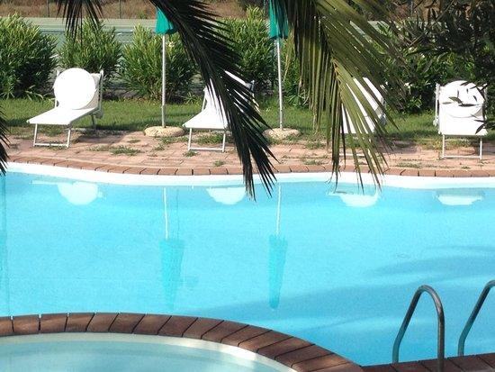 Alghero Resort Country Hotel: Piscine Bof