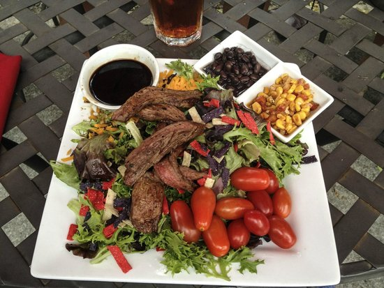 Joe's Steakhouse: Steak Salad
