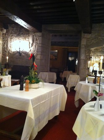 Chateau d'Ige: Restaurant before seating