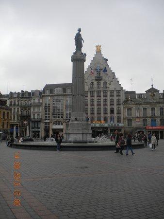 Lille Tourist Office : Place de Lille