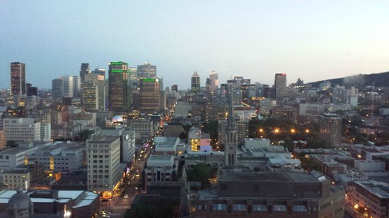 Hotels Gouverneur Montreal: Daytime view from 2802