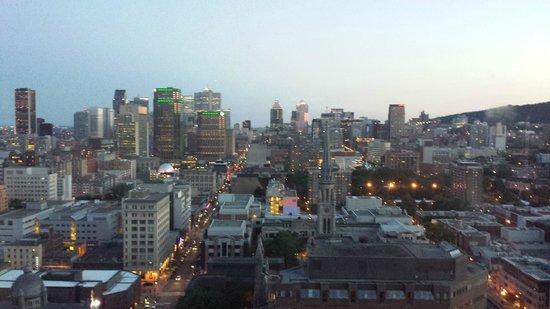 Hôtels Gouverneur Montréal : Daytime view from 2802