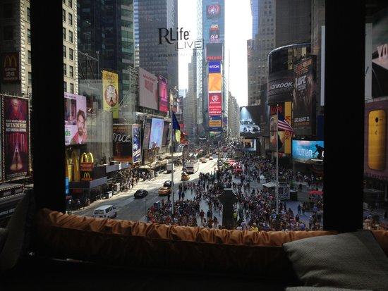 Renaissance New York Times Square Hotel : R Lounge