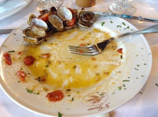 Ristorante Il Granaio : Un buonissimio piatto di spaghetti alle vongole spazzato dalla mia golosità