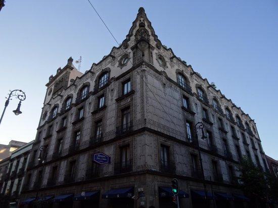 Hampton Inn & Suites Mexico City - Centro Historico: Vue de l'hotel