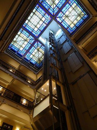 Hampton Inn & Suites Mexico City - Centro Historico: Vue de l'intérieur, ascenseur
