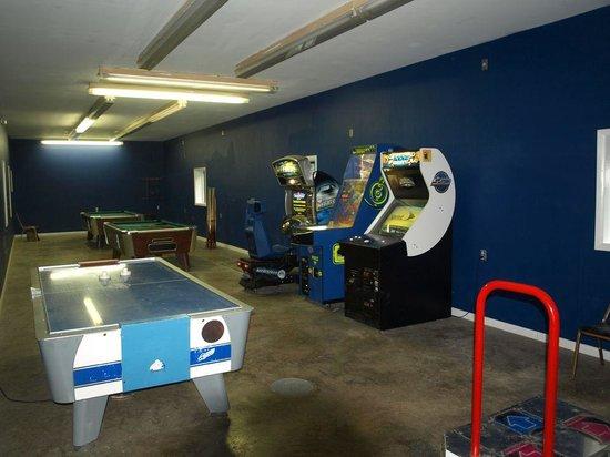 NASCAR RV Resorts at Endless Caverns: Game Room
