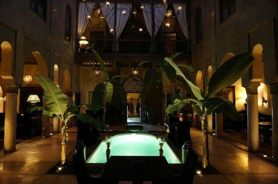 Riad Noir d'Ivoire : Winter Courtyard