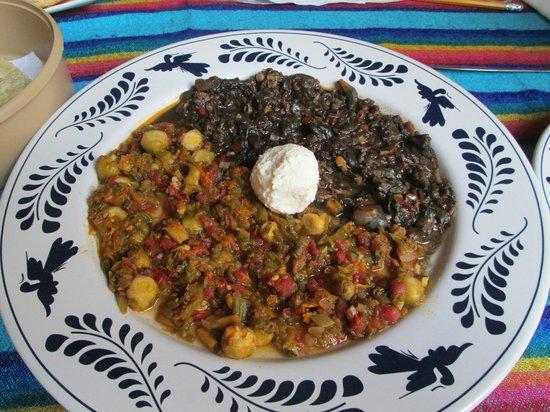 Restaurante Fin de Siglo: Squash blossom and corn truffle starter