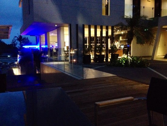 Absolute Twin Sands Resort & Spa : Reception area at night.