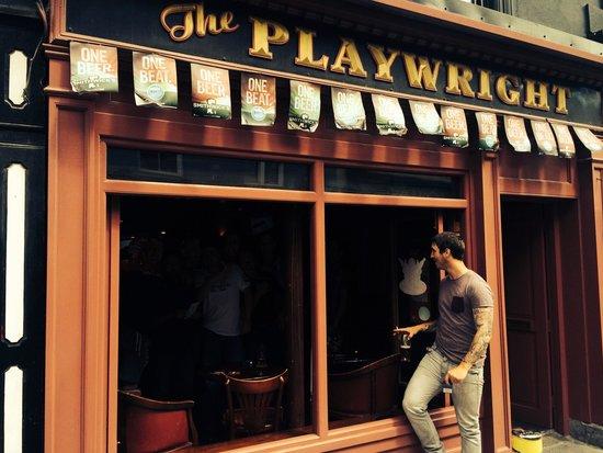 The Playwright: Amazing bar