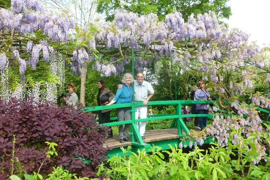 Monet\'s Garden - Giverny, France - Picture of Claude Monet\'s House ...