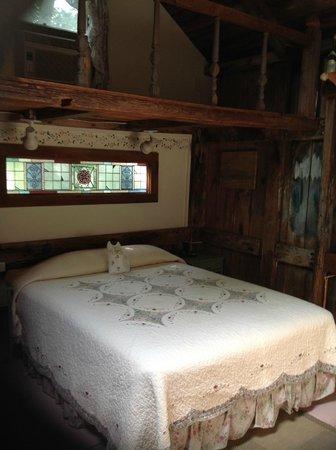 Nauset House Inn: Comfortable bed