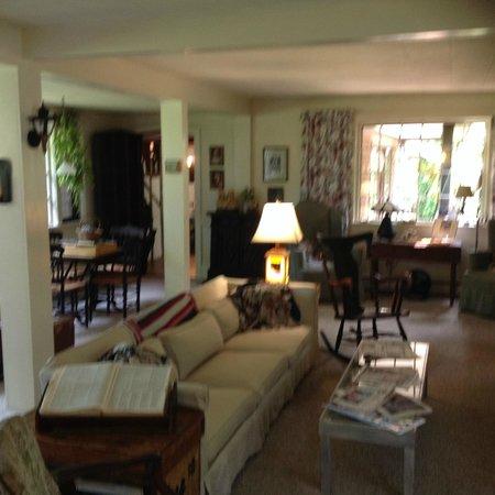 Nauset House Inn: group living area