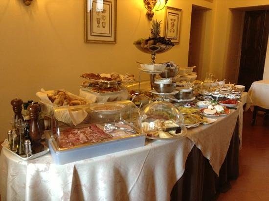 Villa Marsili : breakfast buffet