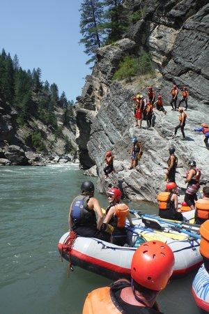 Canyon Raft Company: Cliff Jumping