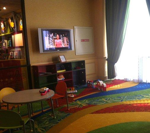 Wyndham Lake Buena Vista Disney Springs Resort Area: kids play area in lobby