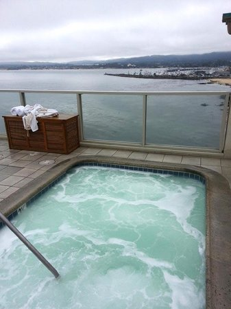 Monterey Plaza Hotel & Spa: Jacuzzi View
