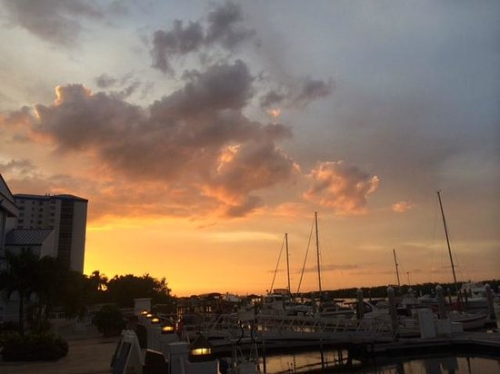Bayfront Bistro: Sunset From the Veranda