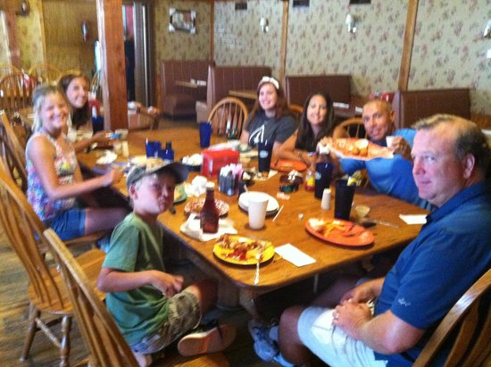Cody's Restaurant : Making family memories in a great family style restaurant