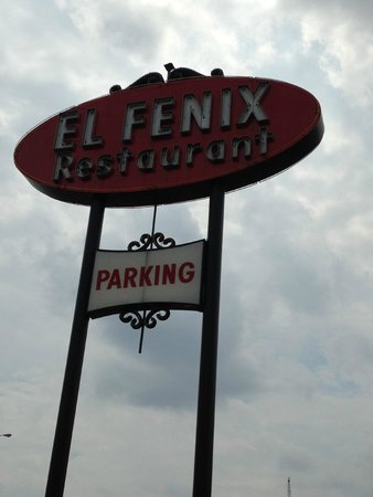 El Fenix Famous Mexican Restaurant : El Fenix sign by the road
