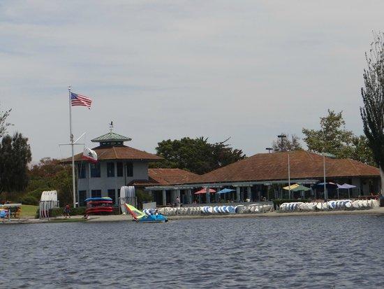 Shoreline Lake Aquatic Center & Cafe: shoreline cafe and boating centre