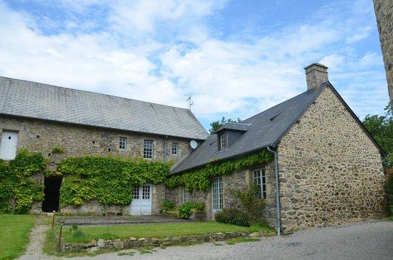 Manoir des Réaux : The outer building