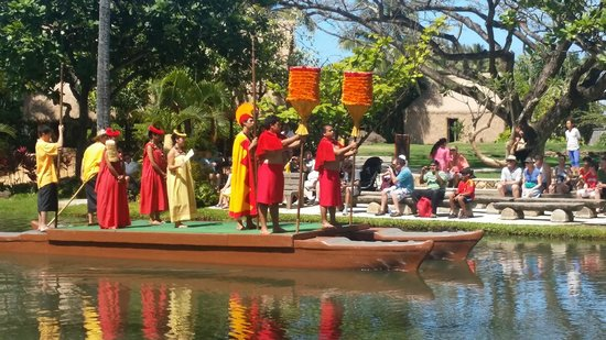 Polynesian Cultural Center: The King/The Parade of NNations