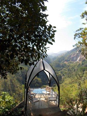 Tea Cottages Resort & Spa : Beautiful spot for breakfast
