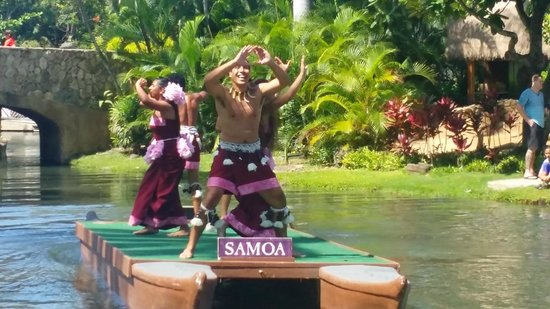 Polynesian Cultural Center: I love this place!