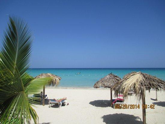 Fun Holiday Beach Resort : Our beach at FHB