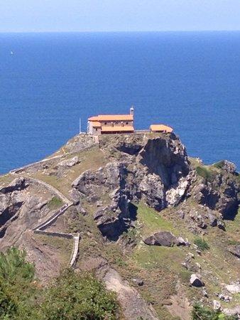 Ermita de San Juan de Gaztelugatxe 大西洋に浮かぶ孤島とその教会