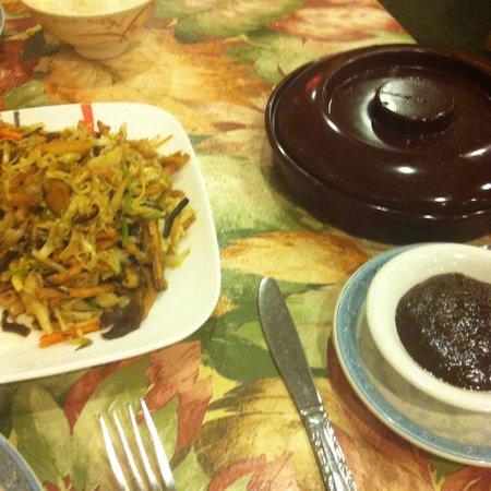 Yuan Fu Vegetarian: Moo shoo